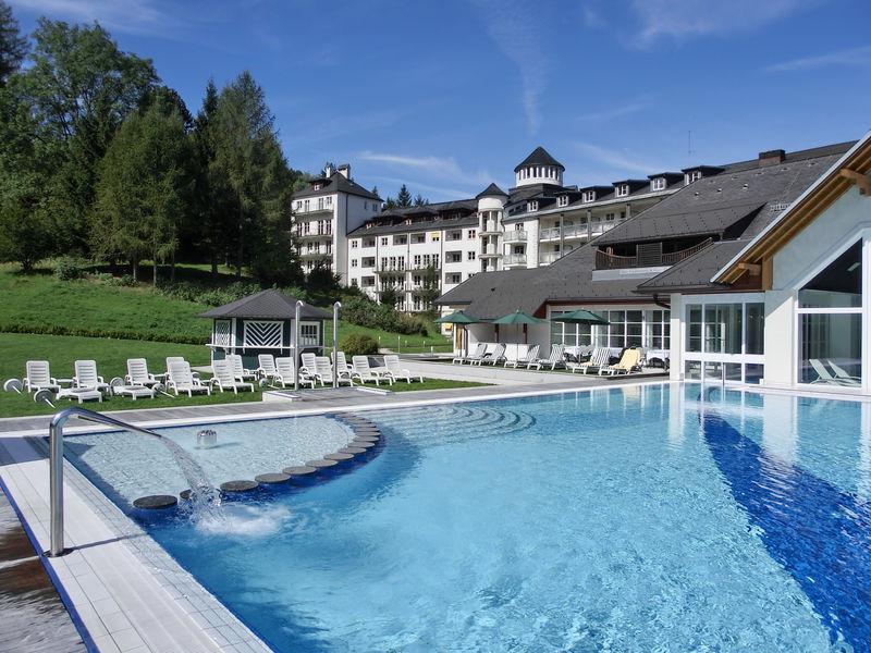 Schloss Pichlarn Außenanlage Pool