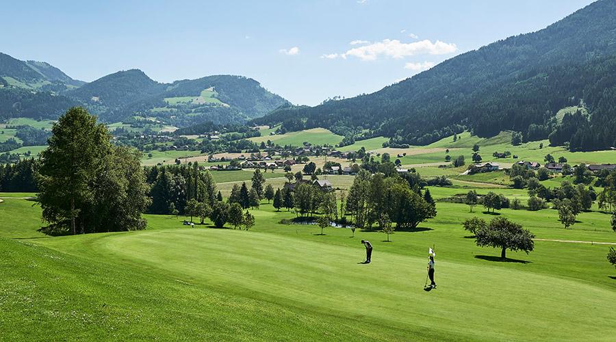 Blick auf den Golfplatz, Foto © Armin Walcher